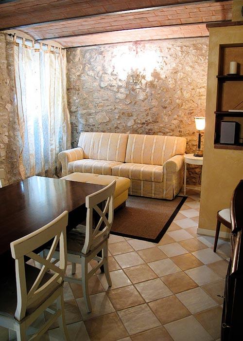 Le case antiche verucchio e 22 hotel selezionati nei for Interni di case antiche