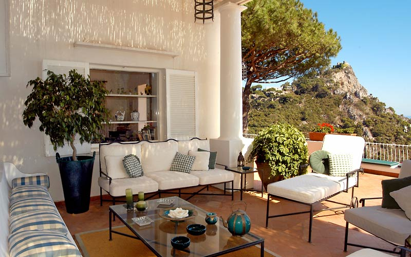Villa le terrazze hotel e bb a capri for Belle case arredate