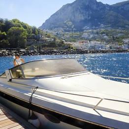 """Blue Sea Capri - Giro dell'isola di Capri """"luxury"""" in motoscafo"""